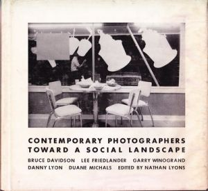 /ブルース・デヴィッドソン / リー・フリードランダー / ゲイリー・ウィノグランド 他(CONTEMPORARY PHOTOGRAPHERS TOWARD A SOCIAL LANDSCAPE/Bruce Davidson / Lee Friedlander / Garry Winoground and more)のサムネール