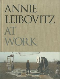 AT WORK / Annie Leibovitz