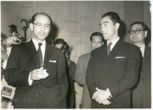 式典にて/(Photo Print of Yukio Mishima at a Ceremony/)のサムネール