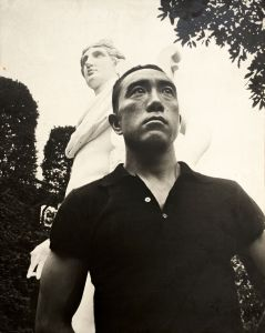 三島邸アポロ像前/(Boarded Photo of Yukio Mishima at the Mishima's House/)のサムネール